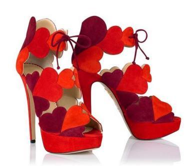 Luxury Wear Brings News Of Womenu0027s Luxury Fashion