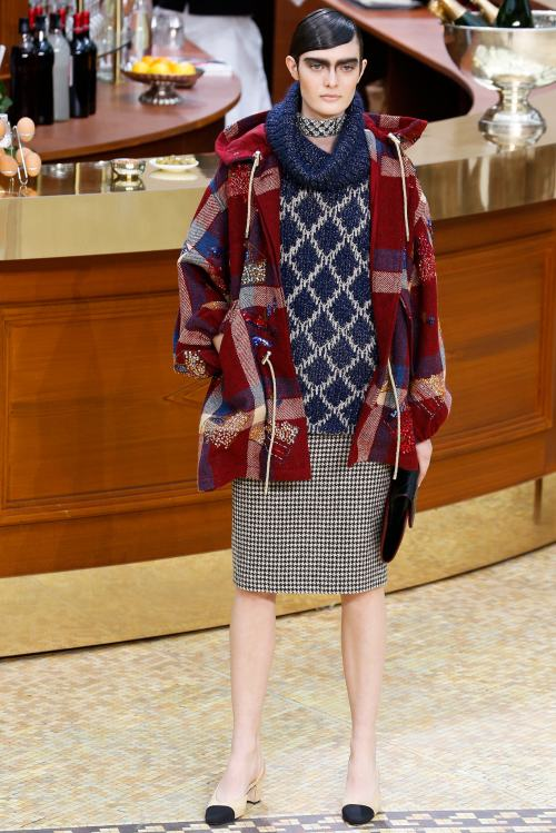Chanel Fall-Winter 2015/16 Ready-to-Wear Fashion Show ... - photo #37