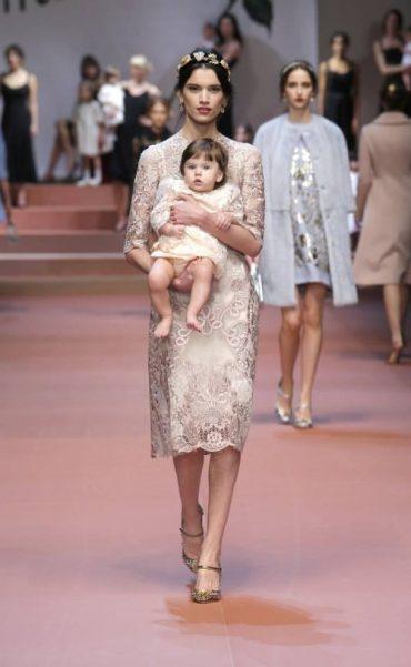 Dolce&Gabbana Winter 2016 Women's Fashion Show
