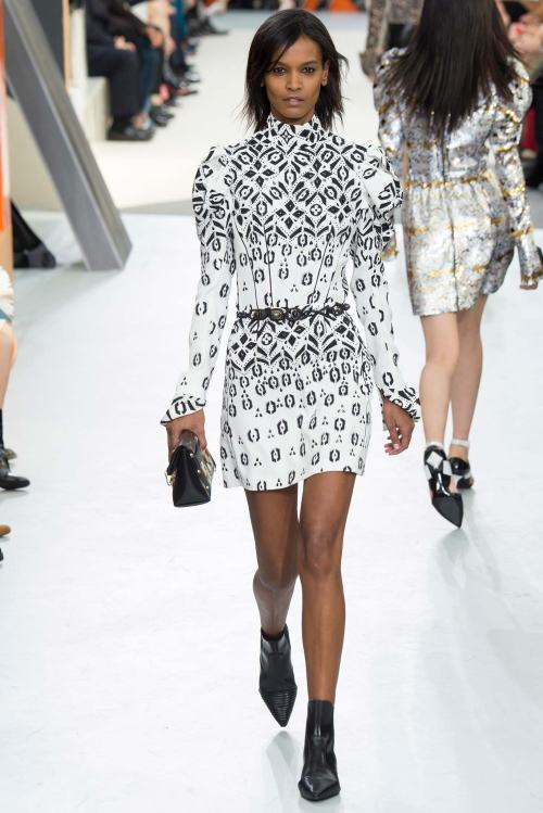 louis vuitton fall 2015 fashion show luxury wear