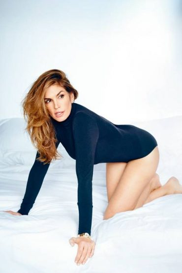 In bed with Cindy Crawford, interview