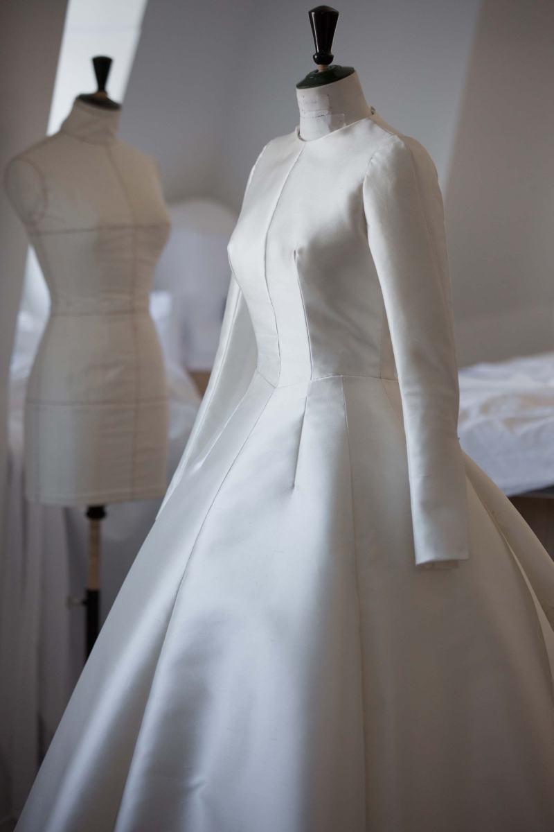 Miranda Kerr S Wedding Dress By Dior Luxury Wear
