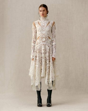 Alexander McQueen Autumn/Winter 2018 Pre-Collection